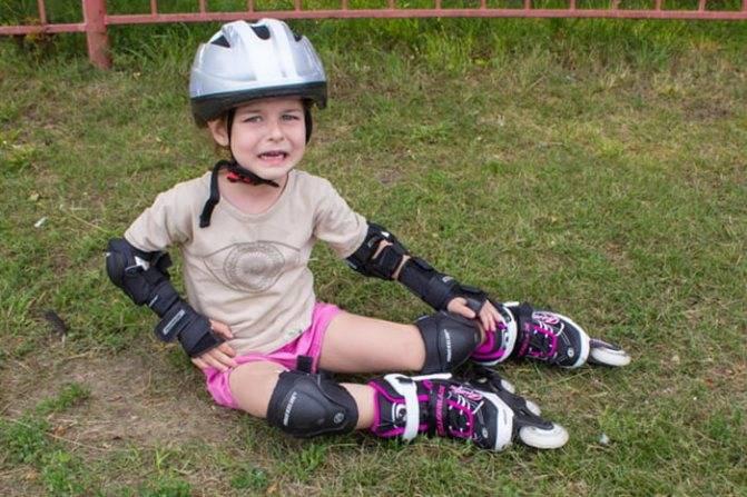 Как легко научить ребенка кататься на роликах | fok-zdorovie.ru