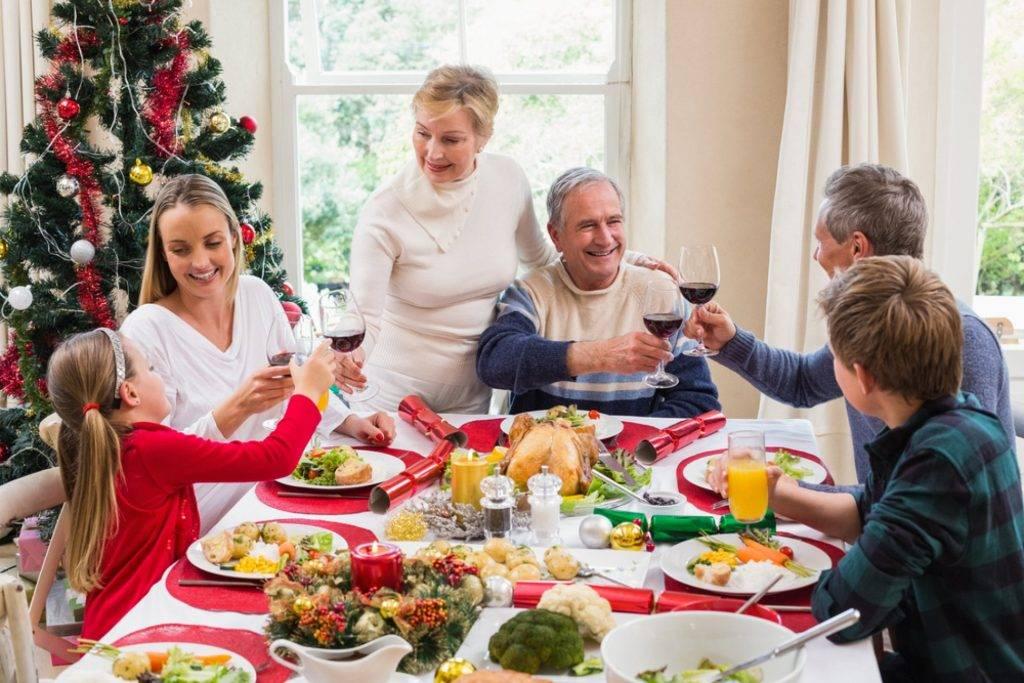 Новый год в кругу семьи: традиции празднования