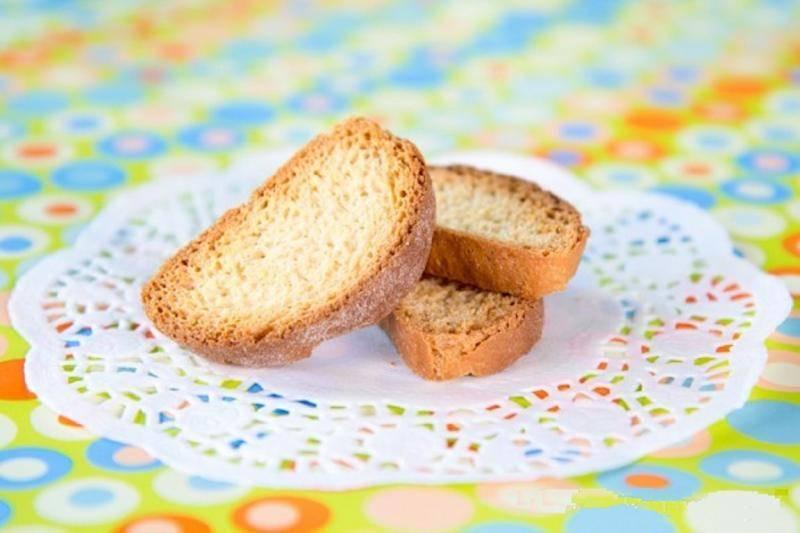 Можно ли сухари при грудном вскармливании - мамины новости