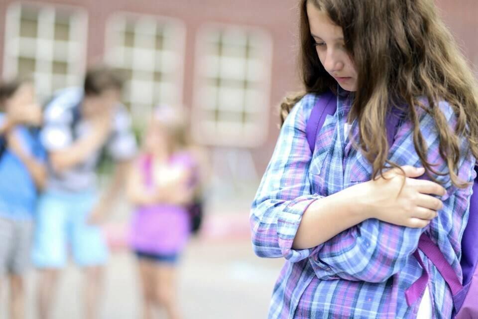 Почему детей травят в школах и что с этим делать