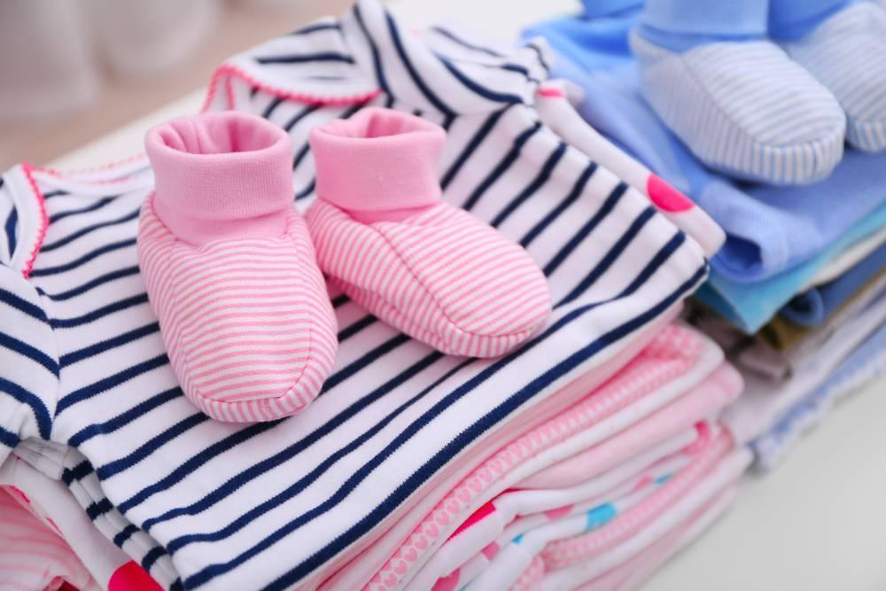 Можно ли покупать вещи до рождения ребенка? чем опасна эта примета?