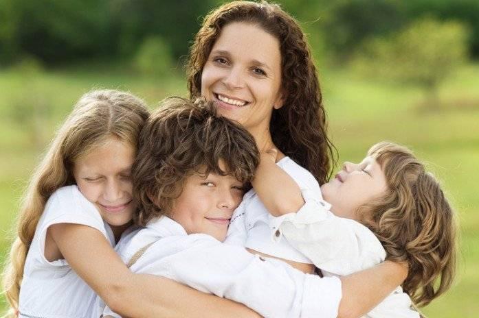 «всё делим на семерых». многодетные родители – о воспитании и любви к детям | общество | аиф красноярск