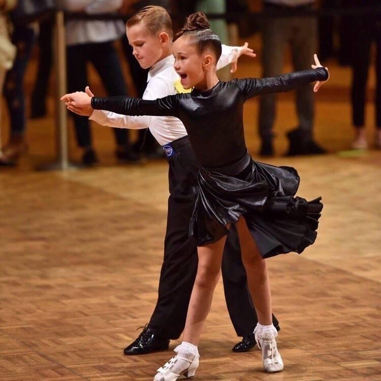 На какие танцы отдать девочку? советы маме