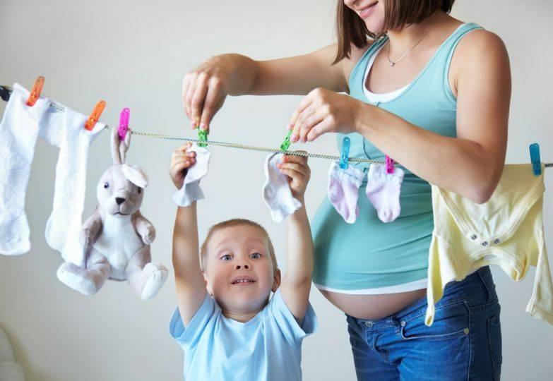 10 очень странных (но естественных) вещей, которые делают младенцы