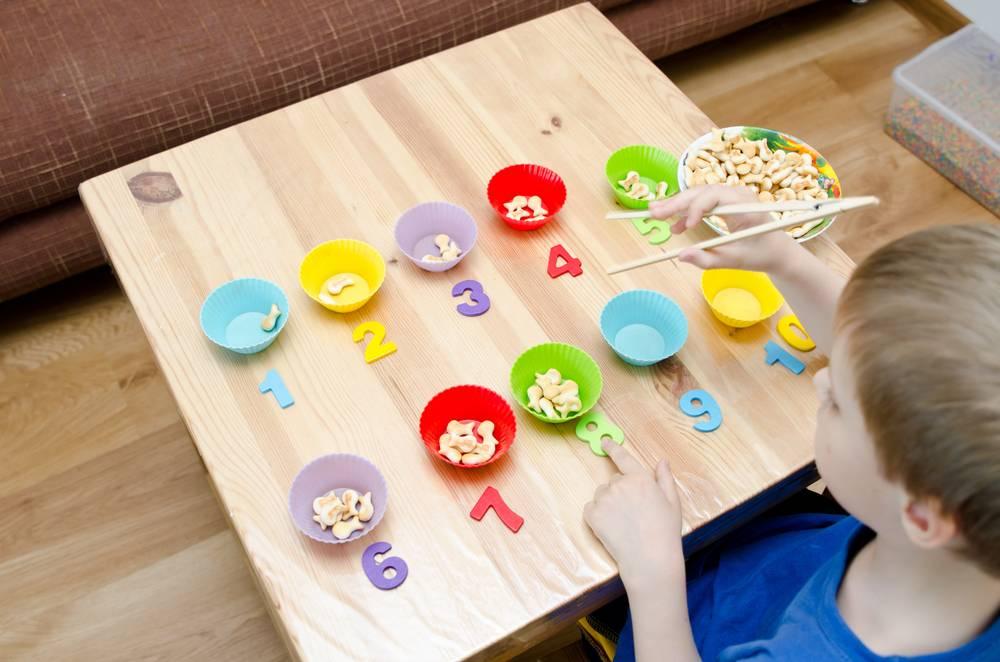 Чем занять ребенка: интересные спокойные и активные игры для детей всех возрастов