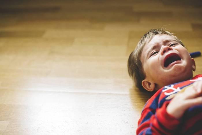 Истерики у школьника: в чём причина и как бороться?