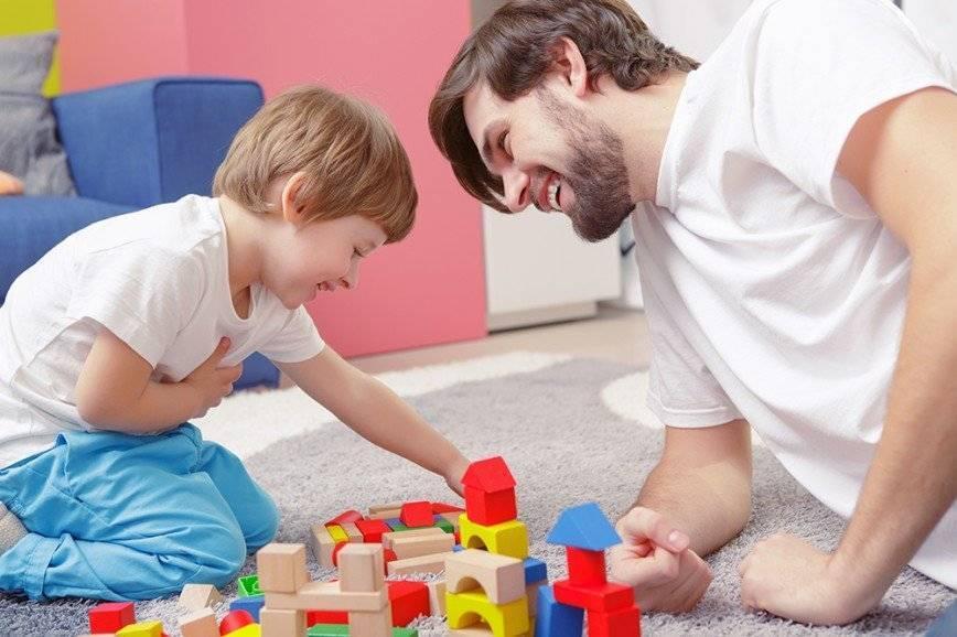 Во что поиграть с ребенком в год: множество идей