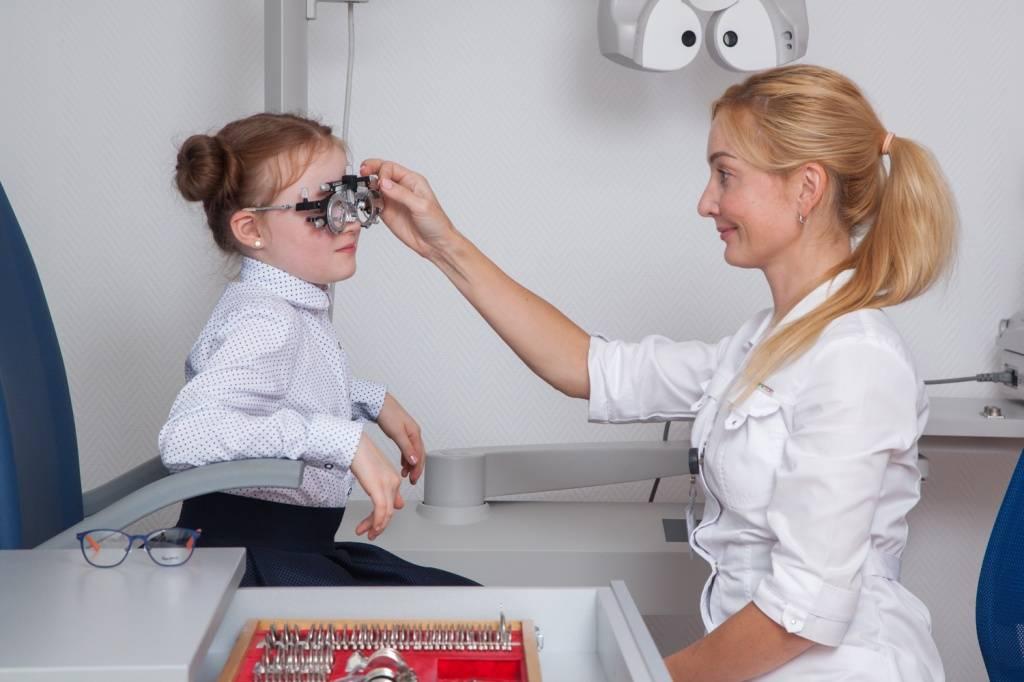 Детские солнцезащитные очки: вред или польза?