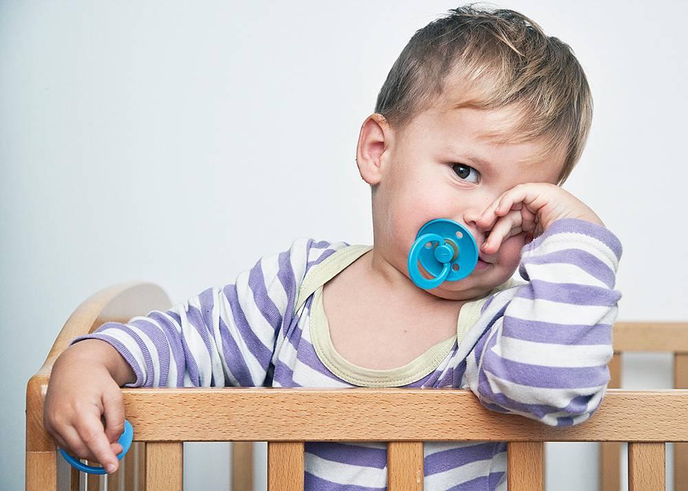 Нужно ли приучать ребенка к пустышке?