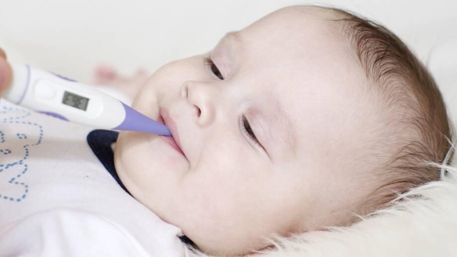 Как померить температуру грудничку ртутным или электронным градусником: где лучше и как правильно мерить у детей, алгоритм измерения с видео