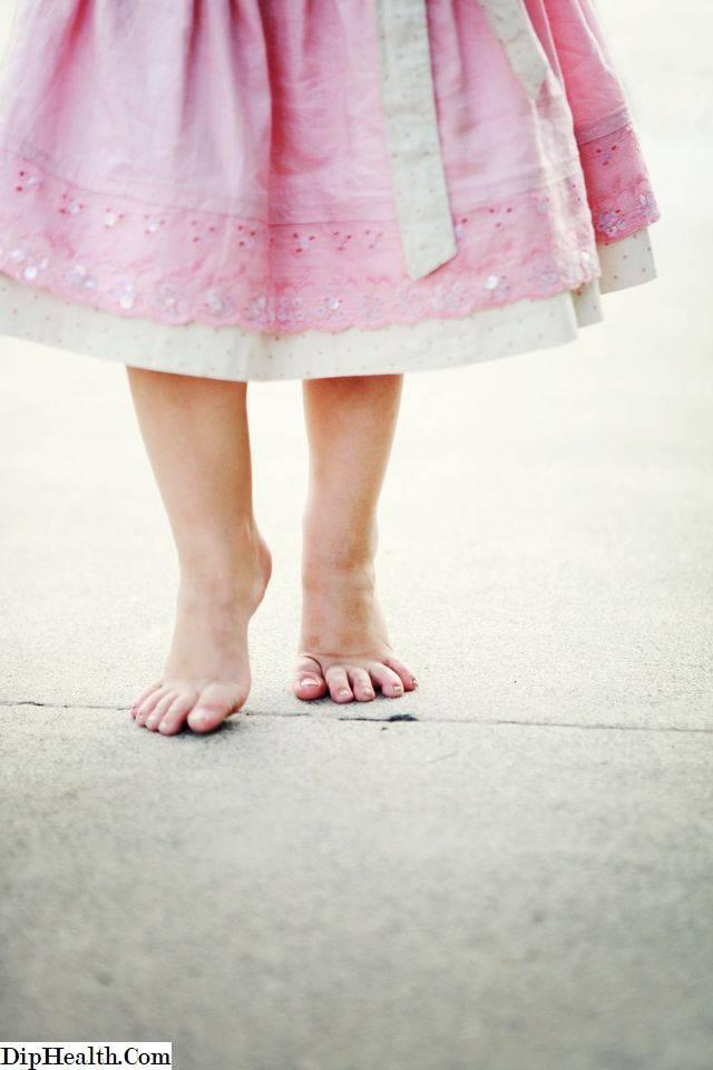Как отучить ребенка ходить на носочках