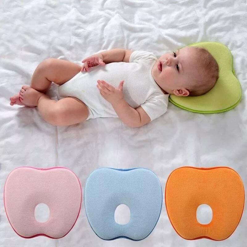 Нужна ли детская ортопедическая подушка новорожденному?