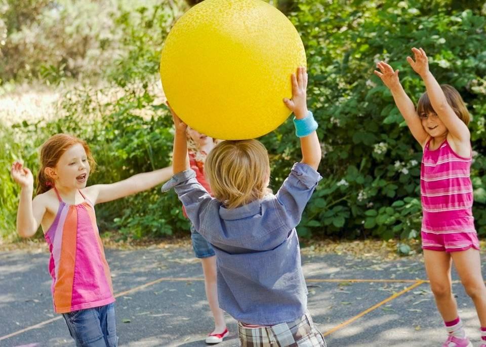 Игры на свежем воздухе в лагере для детей среднего и старшего школьного возраста