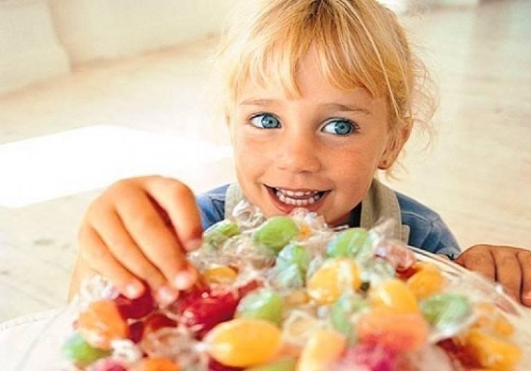 Шоколад ребенку: с какого возраста и какой давать