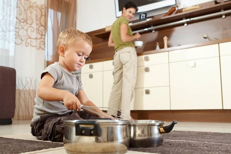 «нехочу, небуду!»: 8способов, как приучить ребенка помогать подому