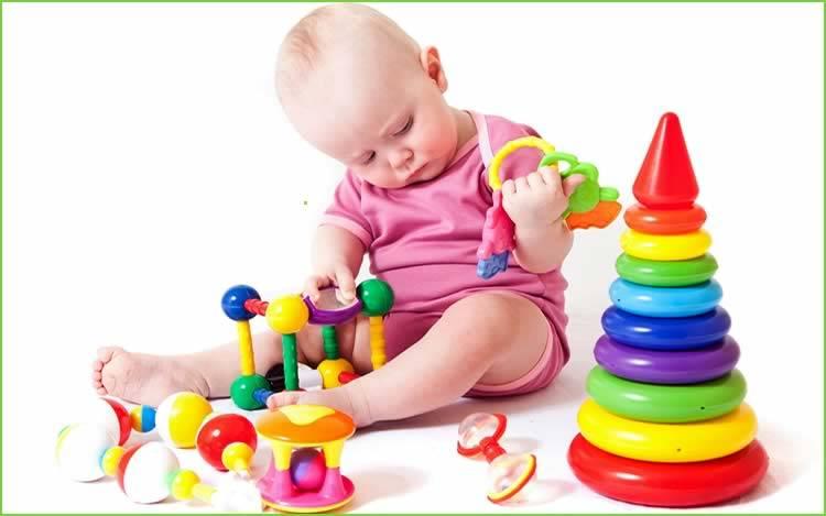 Какие игры и игрушки нужны ребенку в 9 месяцев