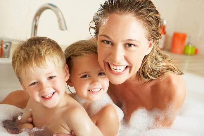 Как научить ребенка мыть голову. что делать, если ребенок не хочет мыть голову? сделайте купание игрой