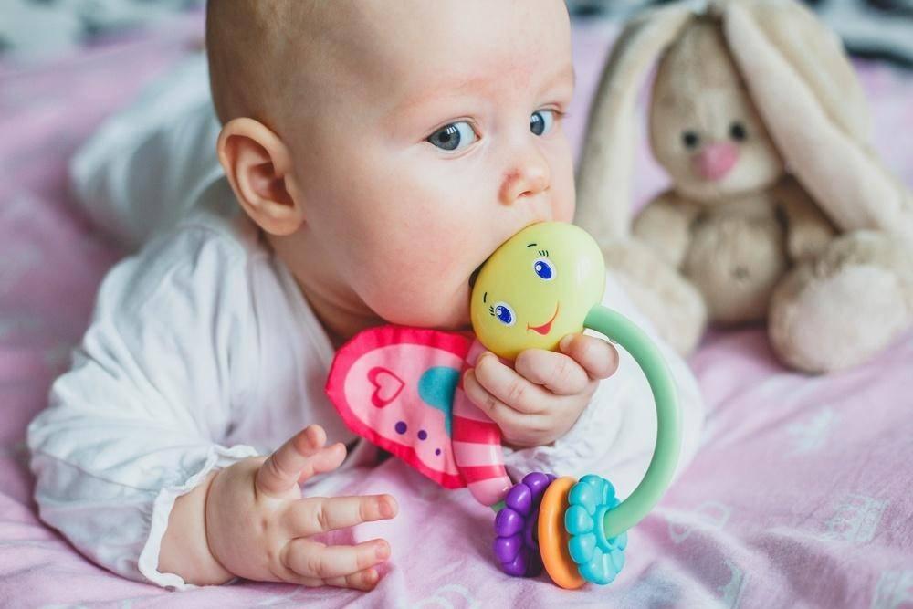Особенности развития ребенка в 2 месяца