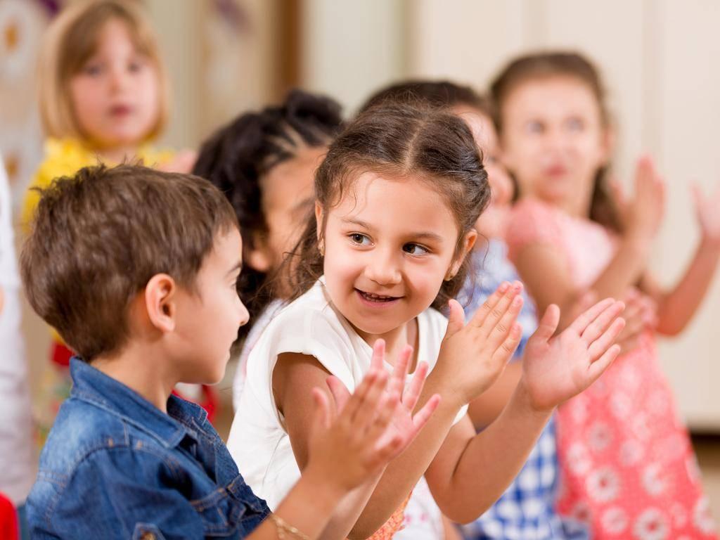 Как научить ребенка дружить с другими детьми? | советы для родителей