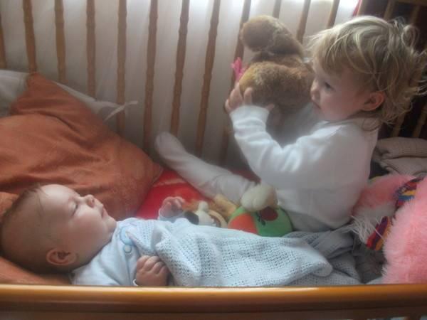 Воспитание детей погодок. какие есть плюсы и минусы у детей погодок: трудности и проблемы в воспитании | inwomen