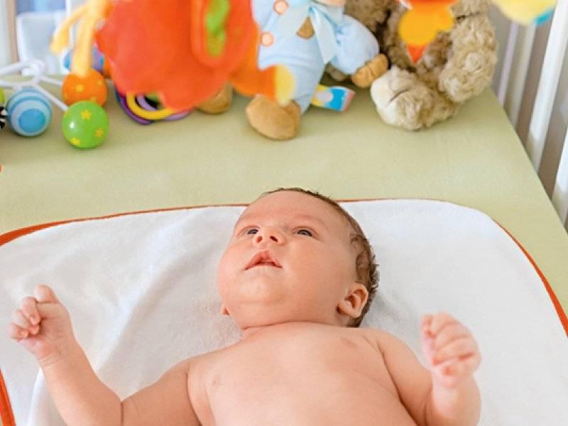 Развитие ребенка в 2 месяца