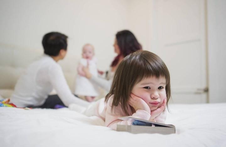 Откуда берется детская ревность и как ее побороть