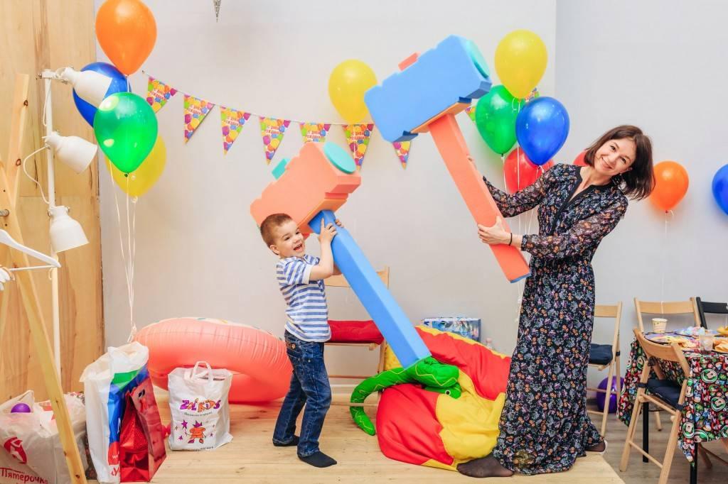 Как отметить первый день рождения: всё от тематики до торта