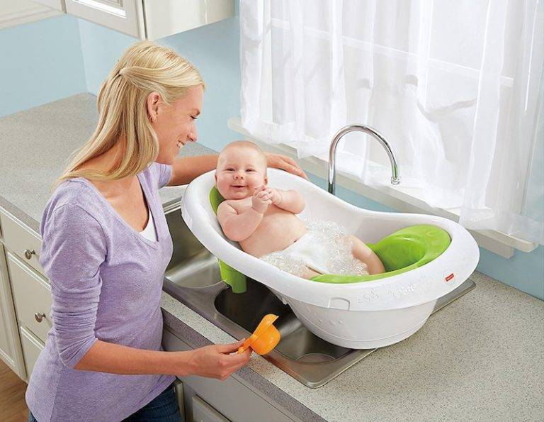 Как выбрать ванночку для купания новорождённых