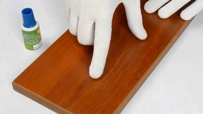 Как удалить старое покрытие с деревянной поверхности?