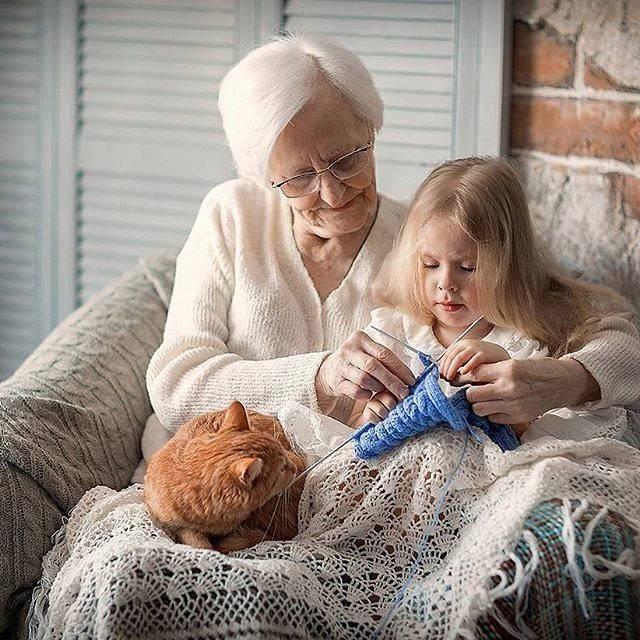 Какие бабушки портят внуков: 4 типа опасных для детей бабушек / mama66.ru