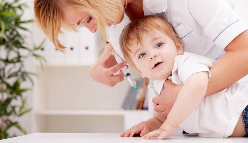 Прививки: за или против? мнения врачей и мам